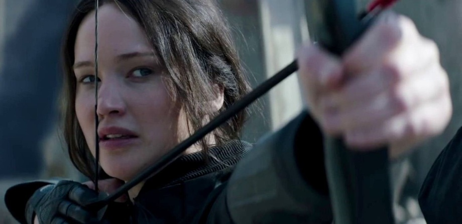 jennifer-lawrence-in-the-hunger-games-mockingjay-part-1-movie-1