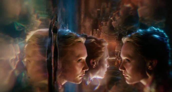 Alice_Through_LookingGlass_trailer2